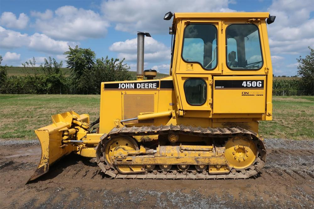 Detail photo of 1998 John Deere 450G from Construction Equipment Guide