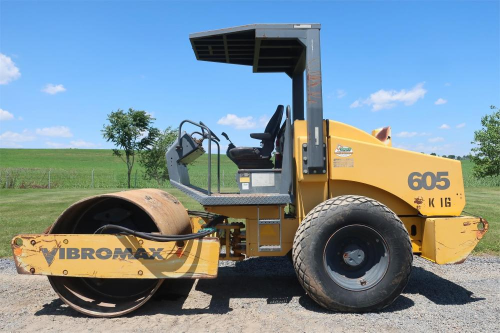 Detail photo of 2001 Vibromax W605D from Construction Equipment Guide