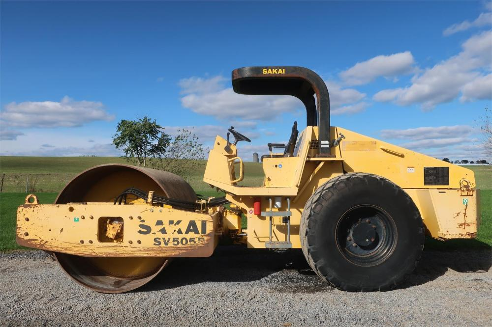 Detail photo of 2005 Sakai SV505 from Construction Equipment Guide