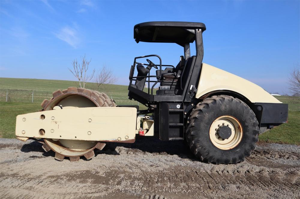 Detail photo of 2005 Ingersoll Rand SD116F from Construction Equipment Guide