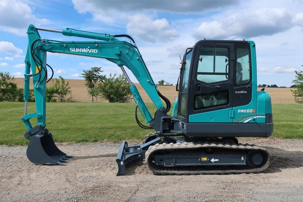 Detail photo of 2016 SUNWARD SWE60B from Construction Equipment Guide