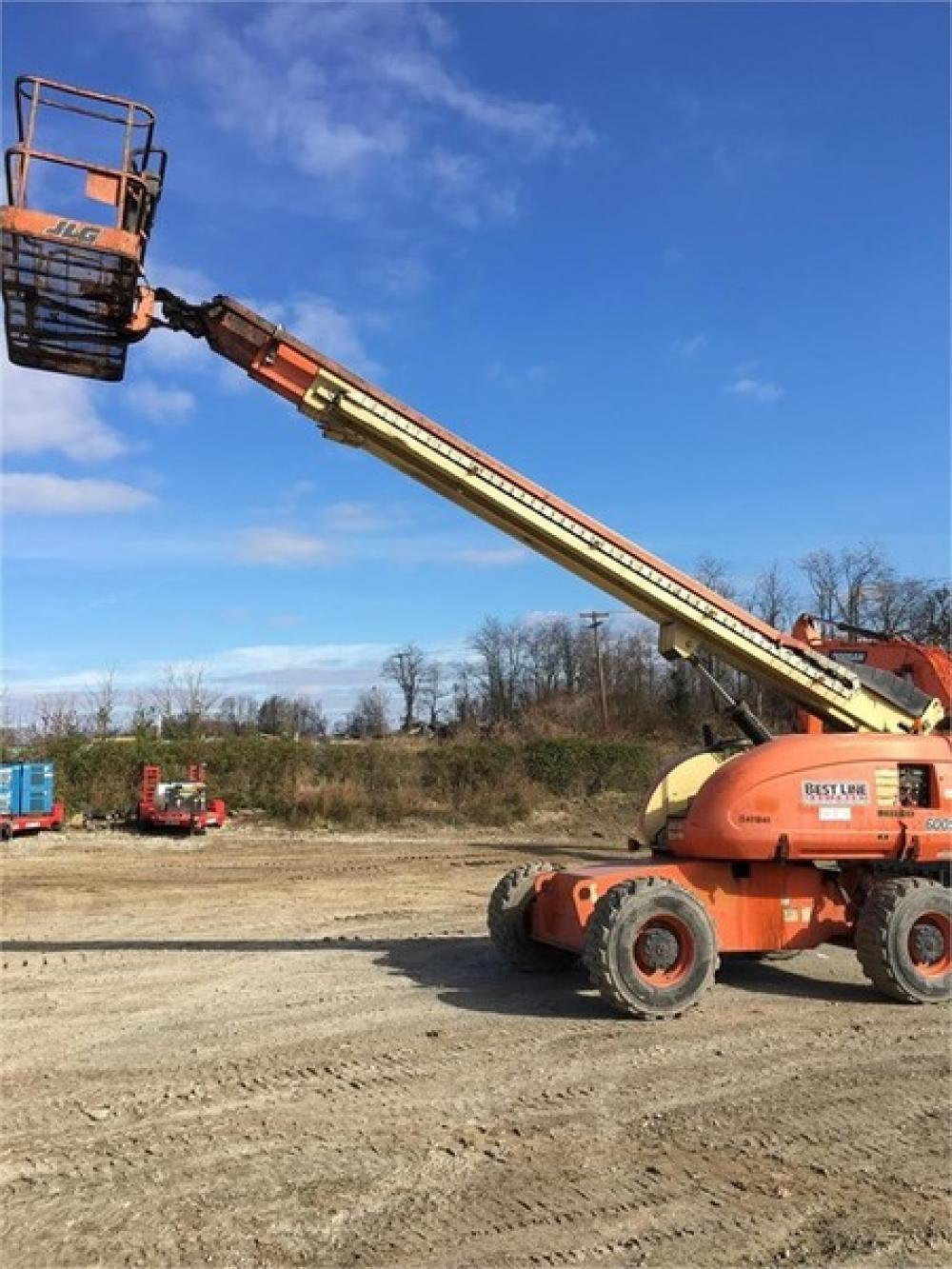 Detail photo of 2001 JLG 600S from Construction Equipment Guide