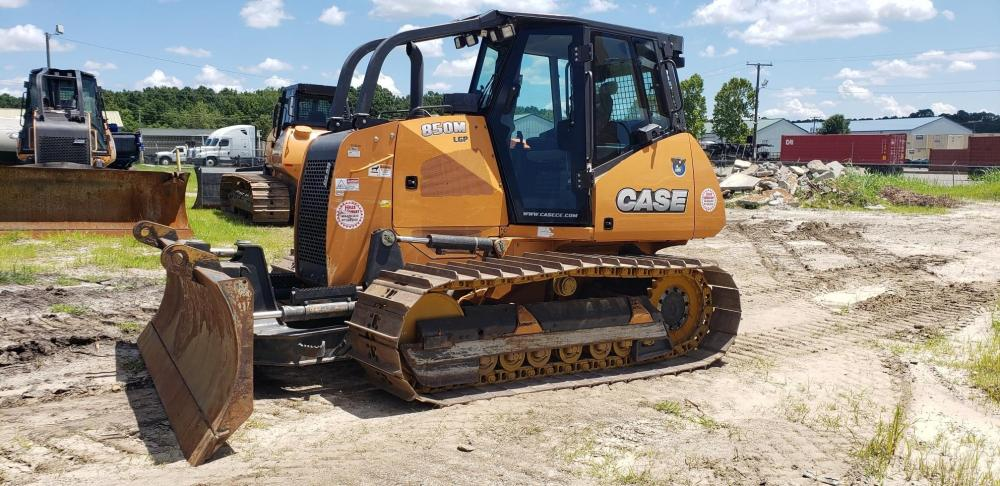 Detail photo of 2015 Case 850M LGP from Construction Equipment Guide