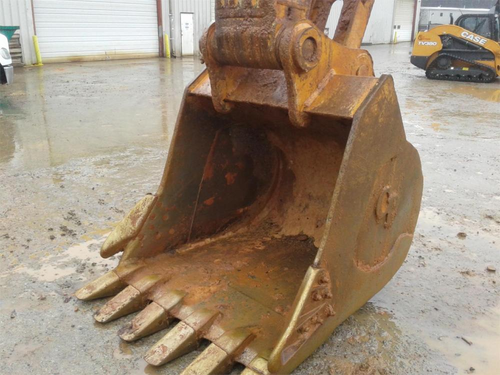 Detail photo of 2015 Paladin CX470C - 54IN. BUCKET from Construction Equipment Guide