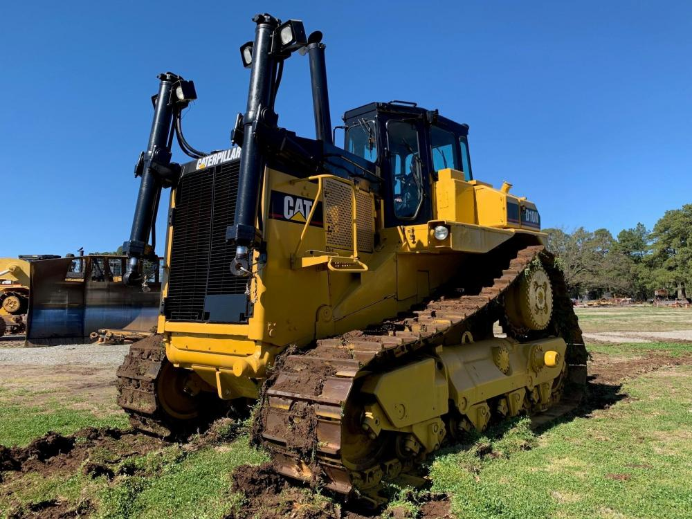 Detail photo of 1989 Caterpillar D10N from Construction Equipment Guide