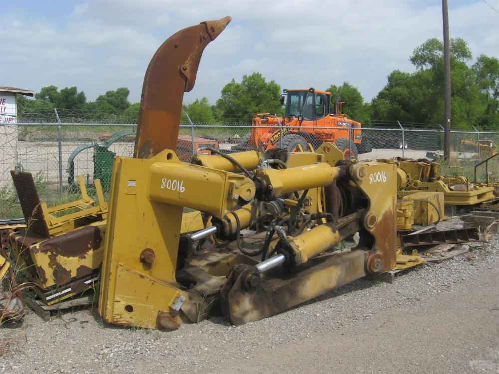 Detail photo of  Caterpillar D8SS from Construction Equipment Guide