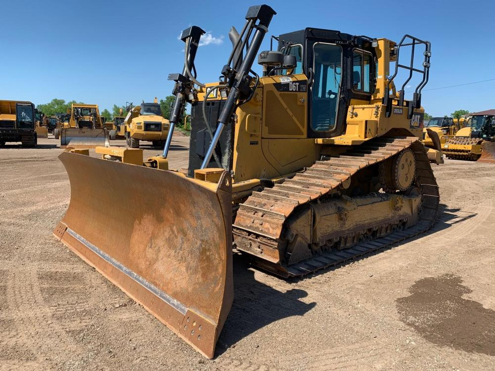 Detail photo of 2015 Caterpillar D6T XW from Construction Equipment Guide