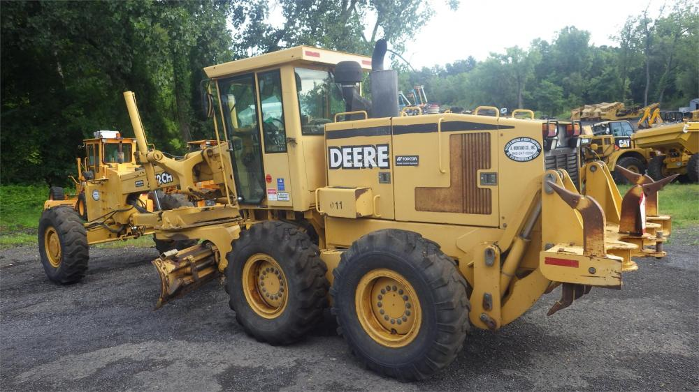 Detail photo of 1999 John Deere 772CH from Construction Equipment Guide