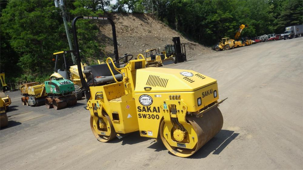 Detail photo of 2008 Sakai SW300 from Construction Equipment Guide
