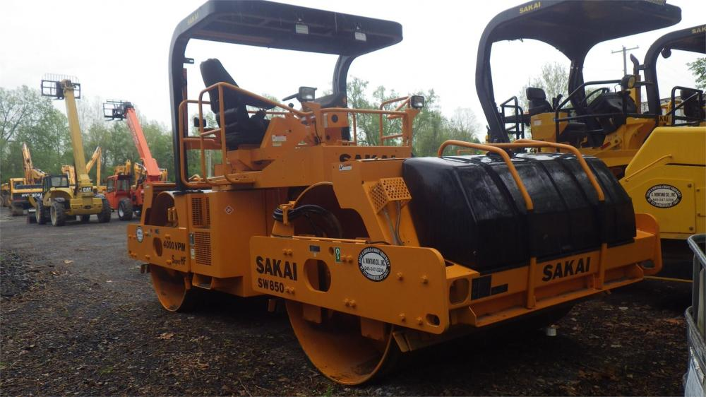 Detail photo of 2008 Sakai SW850 from Construction Equipment Guide
