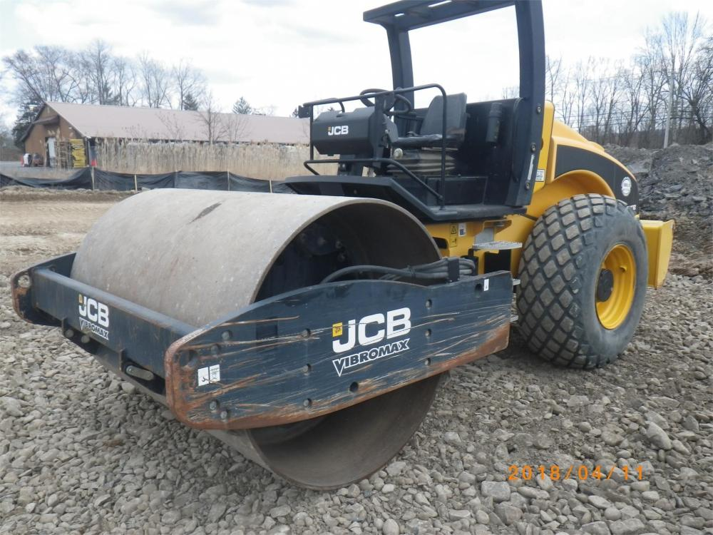 Detail photo of 2012 JCB VM132D from Construction Equipment Guide