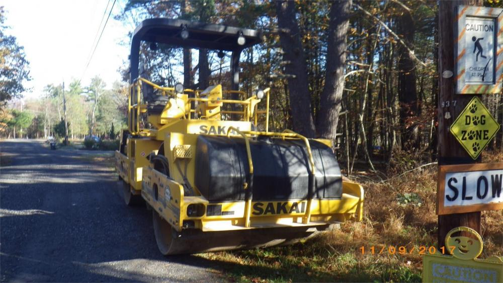 Detail photo of 2015 Sakai SW850 from Construction Equipment Guide