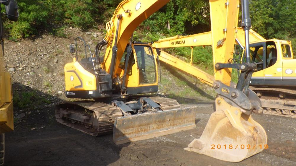 Detail photo of 2016 Hyundai HX235 LCR from Construction Equipment Guide