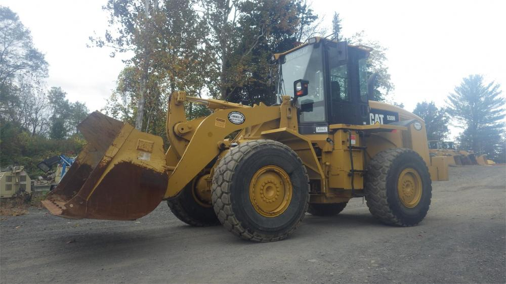Detail photo of 2009 Caterpillar 938H from Construction Equipment Guide