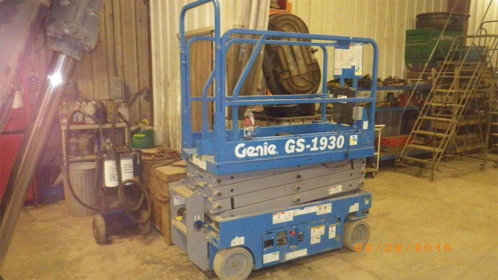 Detail photo of 2013 Genie GS-1930 from Construction Equipment Guide