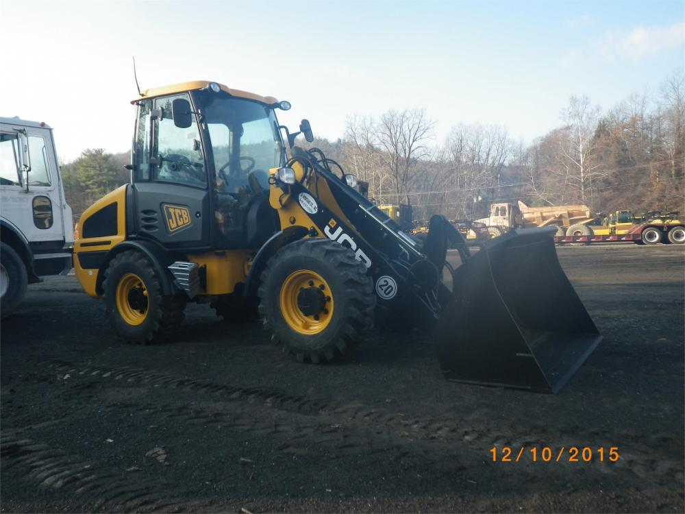 Detail photo of 2015 JCB 407 from Construction Equipment Guide