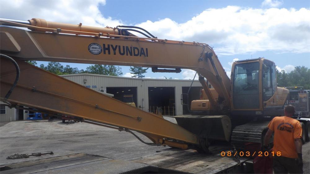 Detail photo of 2010 Hyundai ROBEX 210 LC-9 LR from Construction Equipment Guide