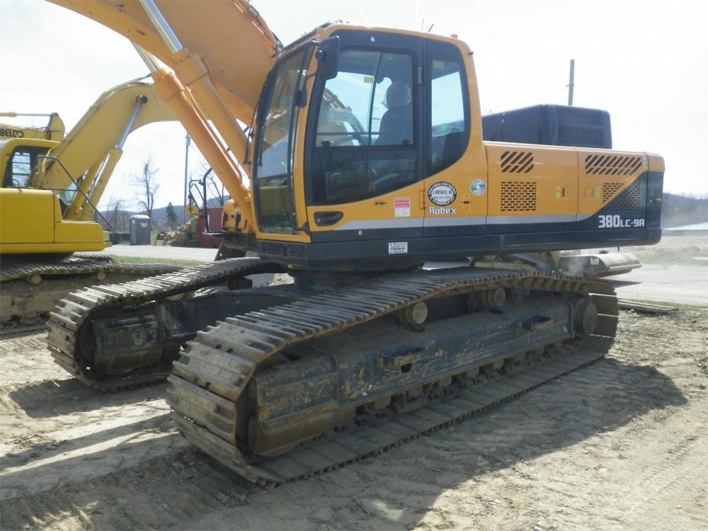 Detail photo of 2012 Hyundai ROBEX 380 LC-9 from Construction Equipment Guide