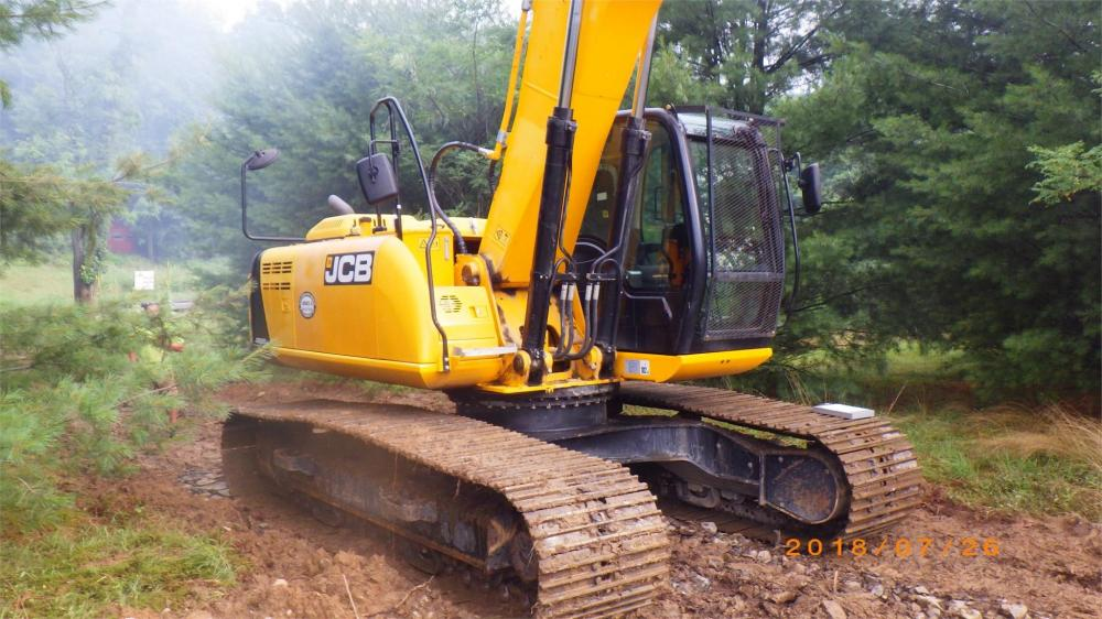 Detail photo of 2015 JCB JS220 LC from Construction Equipment Guide