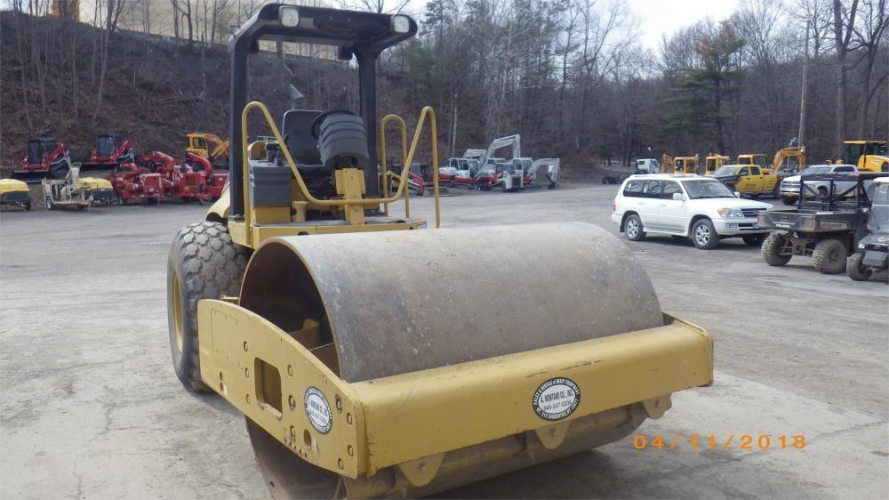 Detail photo of 2007 Caterpillar CP563E from Construction Equipment Guide