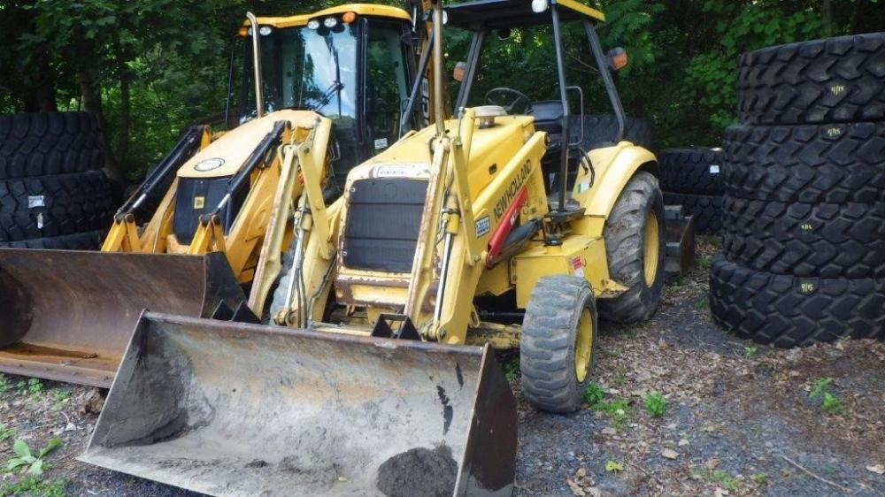 Detail photo of 2006 New Holland U80B from Construction Equipment Guide