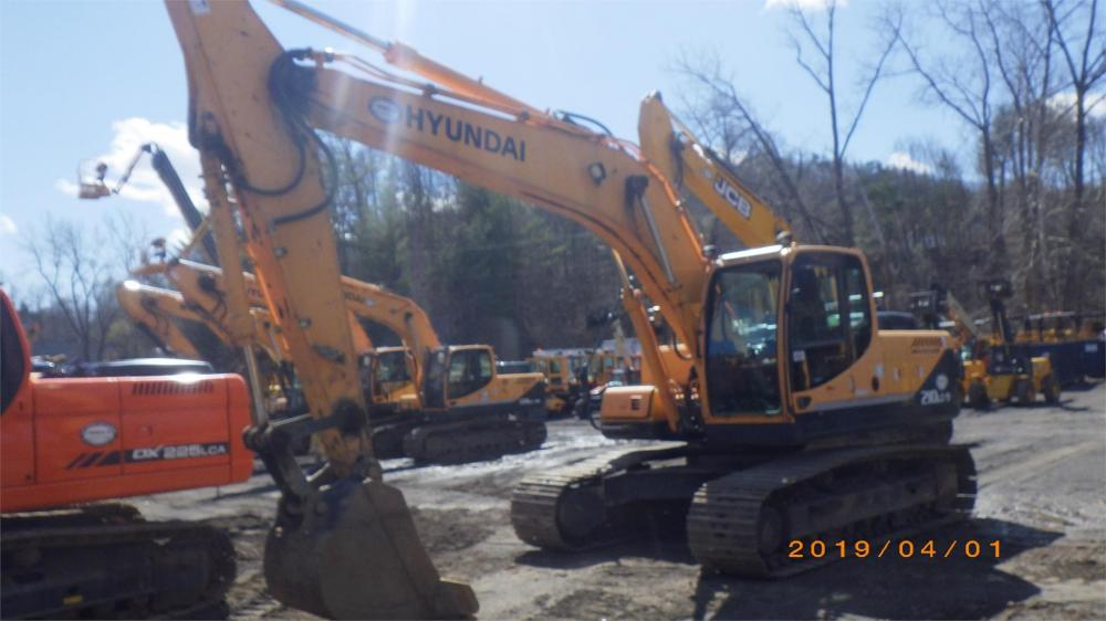 Detail photo of 2010 Hyundai ROBEX 210 LC-9 from Construction Equipment Guide