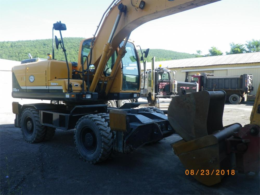 Detail photo of 2013 Hyundai ROBEX 170W-9 from Construction Equipment Guide