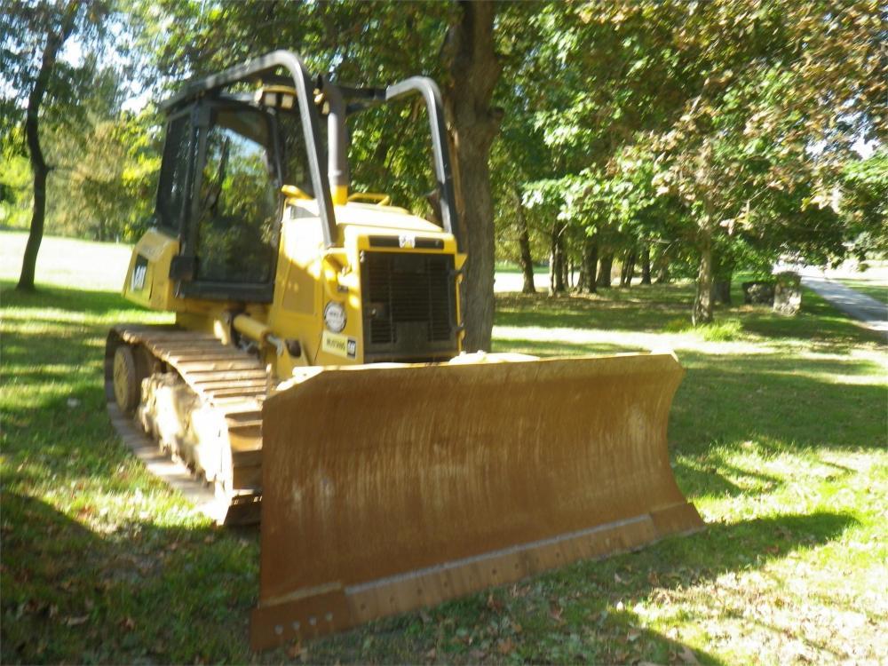 Detail photo of 2012 Caterpillar D6K XL from Construction Equipment Guide