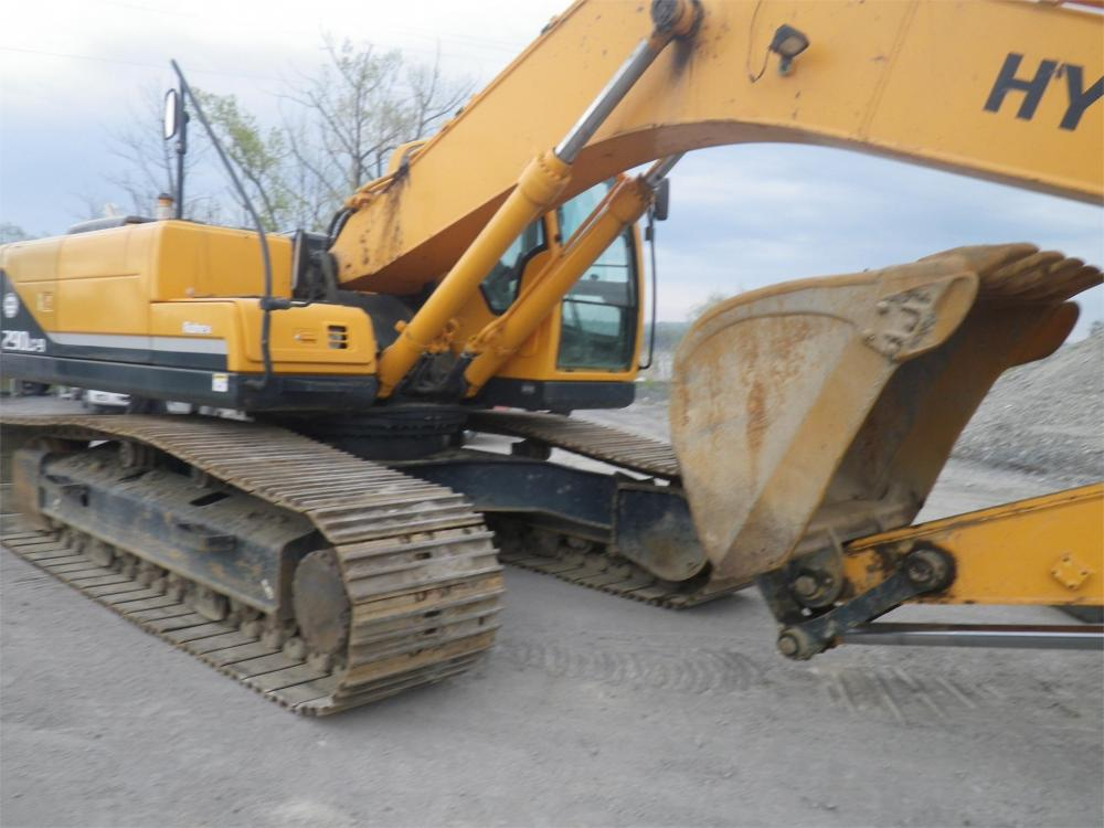 Detail photo of 2009 Hyundai ROBEX 290 LC-9 from Construction Equipment Guide