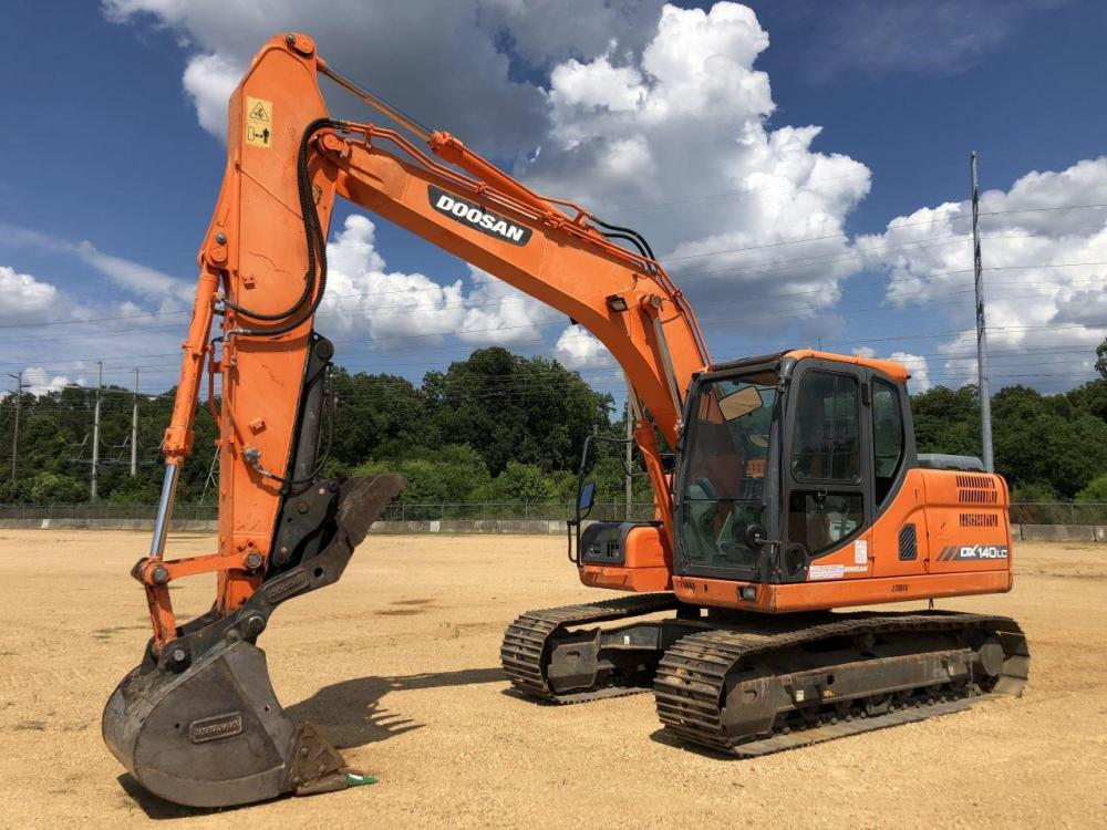Detail photo of 2015 Doosan DX140LC-3 from Construction Equipment Guide