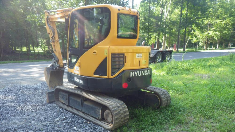 Detail photo of 2017 Hyundai ROBEX 60CR-9A from Construction Equipment Guide