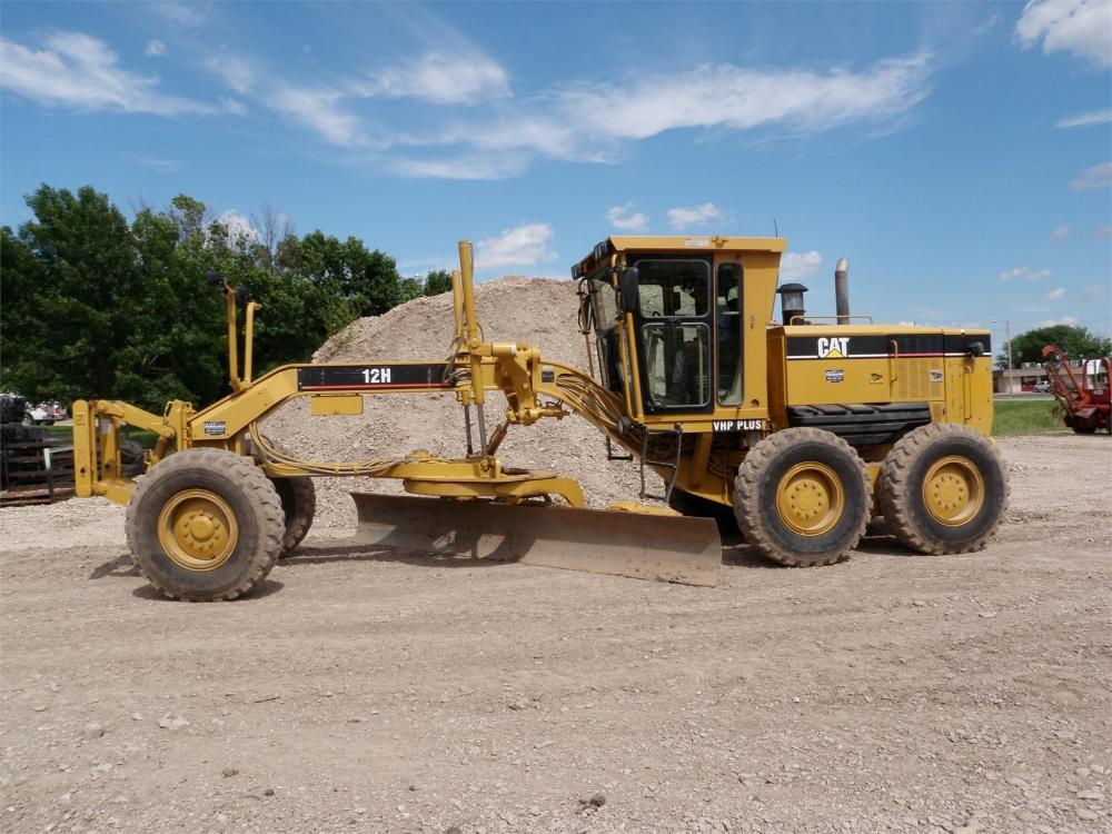 Detail photo of 2003 Caterpillar 12H from Construction Equipment Guide