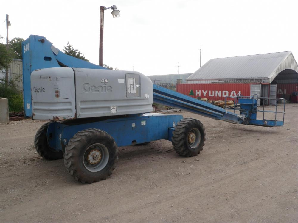Detail photo of 2000 Genie S-60 from Construction Equipment Guide
