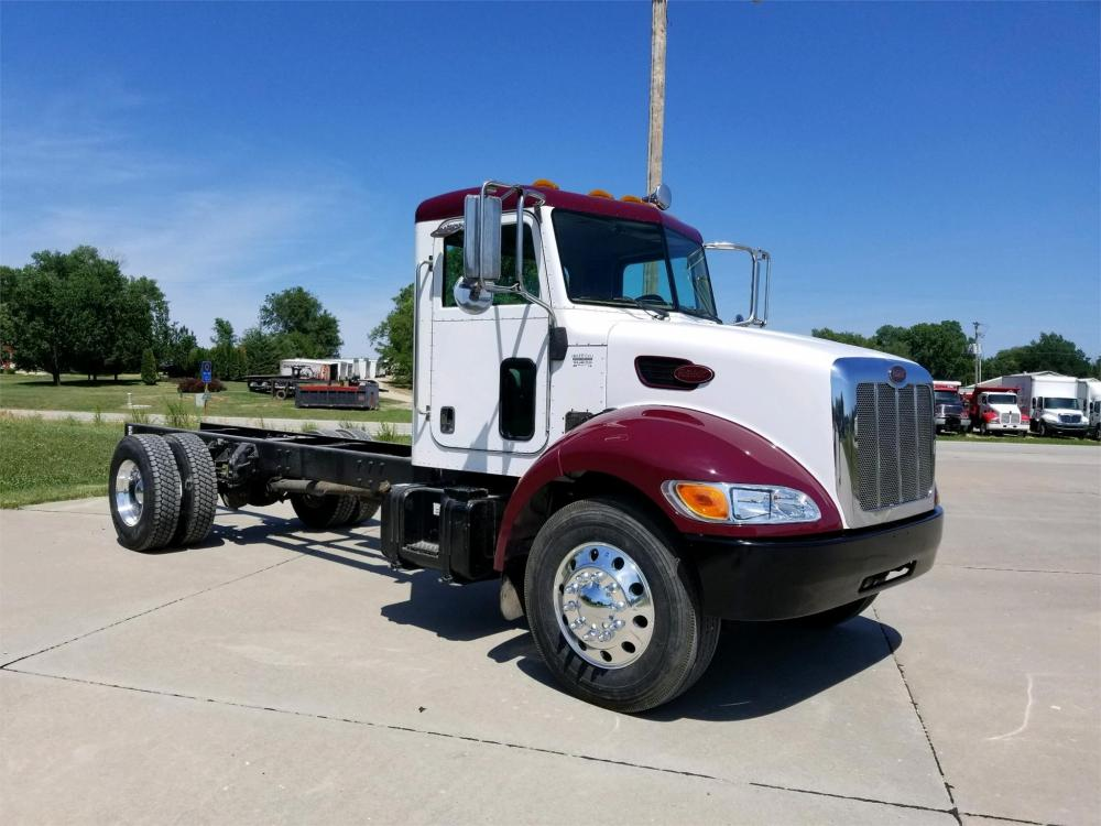 Detail photo of 2005 Peterbilt 335 from Construction Equipment Guide