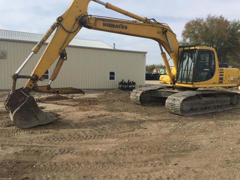 Detail photo of 1999 Komatsu PC220LC-6 from Construction Equipment Guide