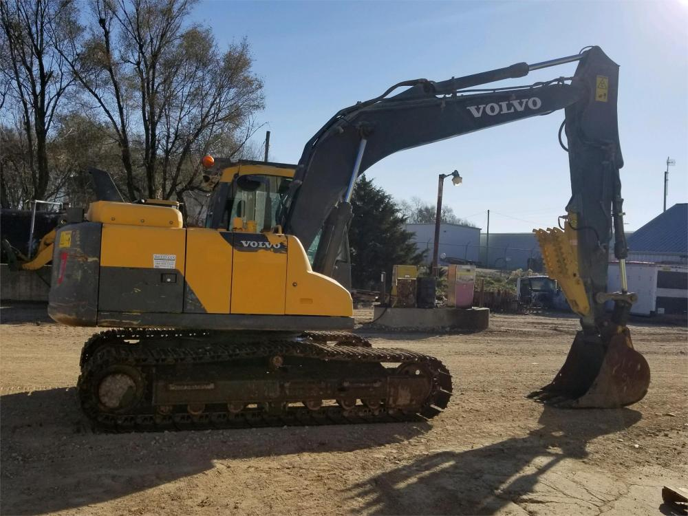 Detail photo of 2013 Volvo EC140DL from Construction Equipment Guide