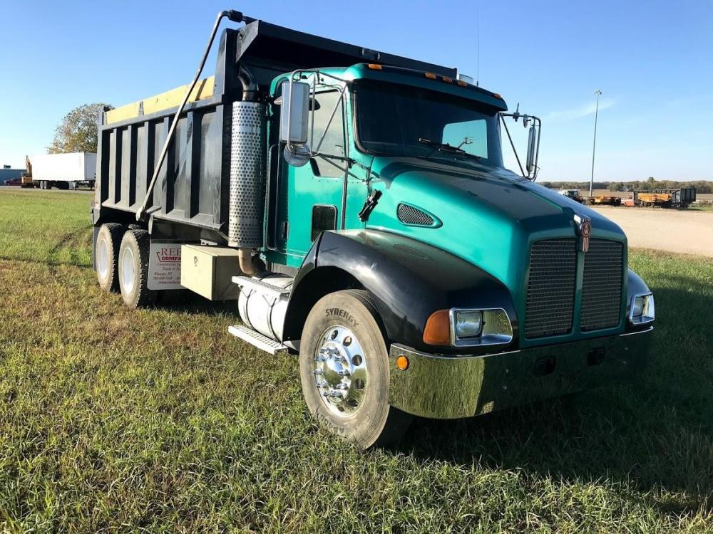 Detail photo of 2005 Kenworth T300 from Construction Equipment Guide