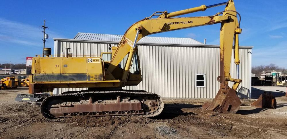 Detail photo of 1979 Caterpillar 235 from Construction Equipment Guide