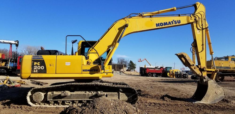 Detail photo of 2012 Komatsu PC200LC-8 from Construction Equipment Guide