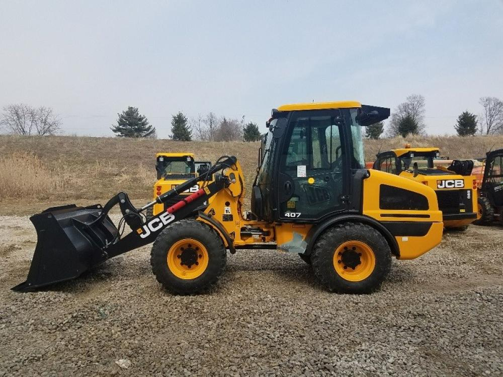 Detail photo of 2018 JCB 407 from Construction Equipment Guide