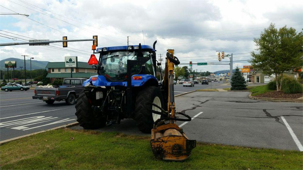 Detail photo of 2005 New Holland BOOM MOWER from Construction Equipment Guide