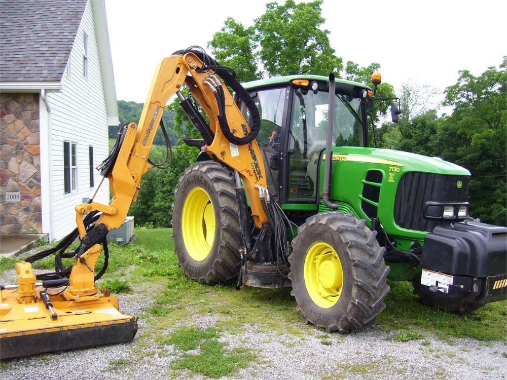 Detail photo of 2012 John Deere 7130 from Construction Equipment Guide