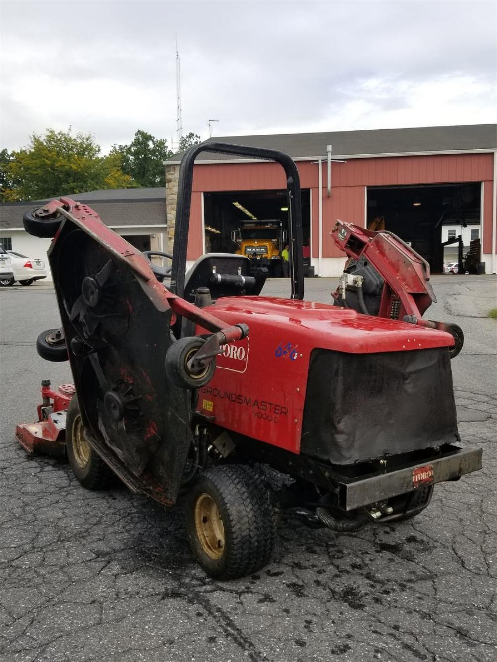 Detail photo of 2006 Toro GROUND MASTER from Construction Equipment Guide