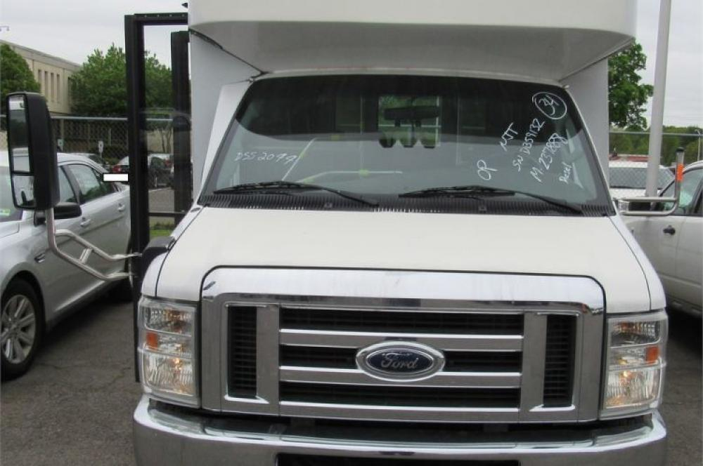 Detail photo of 2008 Ford E450 from Construction Equipment Guide