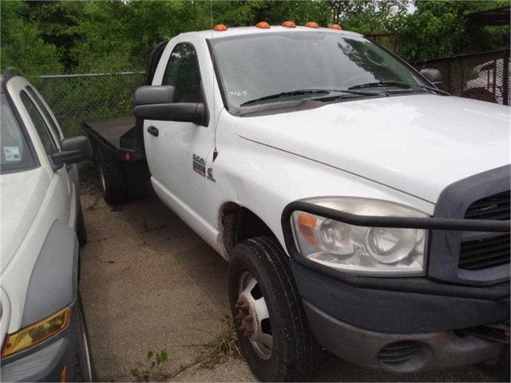 Detail photo of 2008 Dodge RAM 3500 4X4 from Construction Equipment Guide