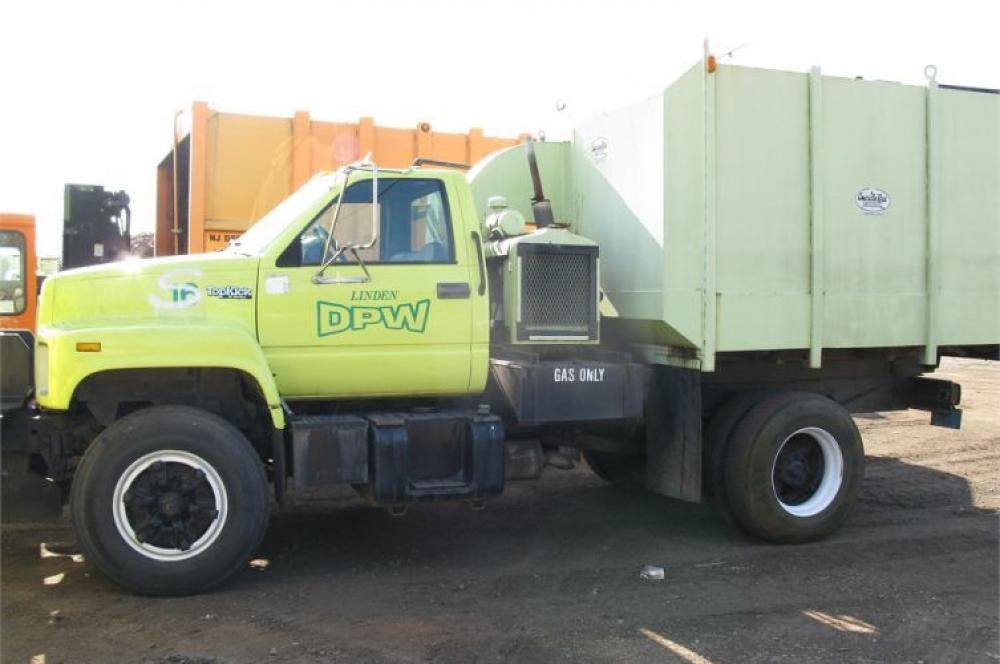 Detail photo of 1996 GMC C7H042 from Construction Equipment Guide