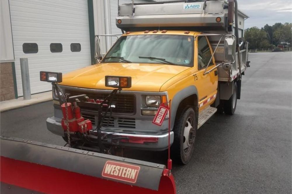 Detail photo of 1999 GMC 3500HD from Construction Equipment Guide