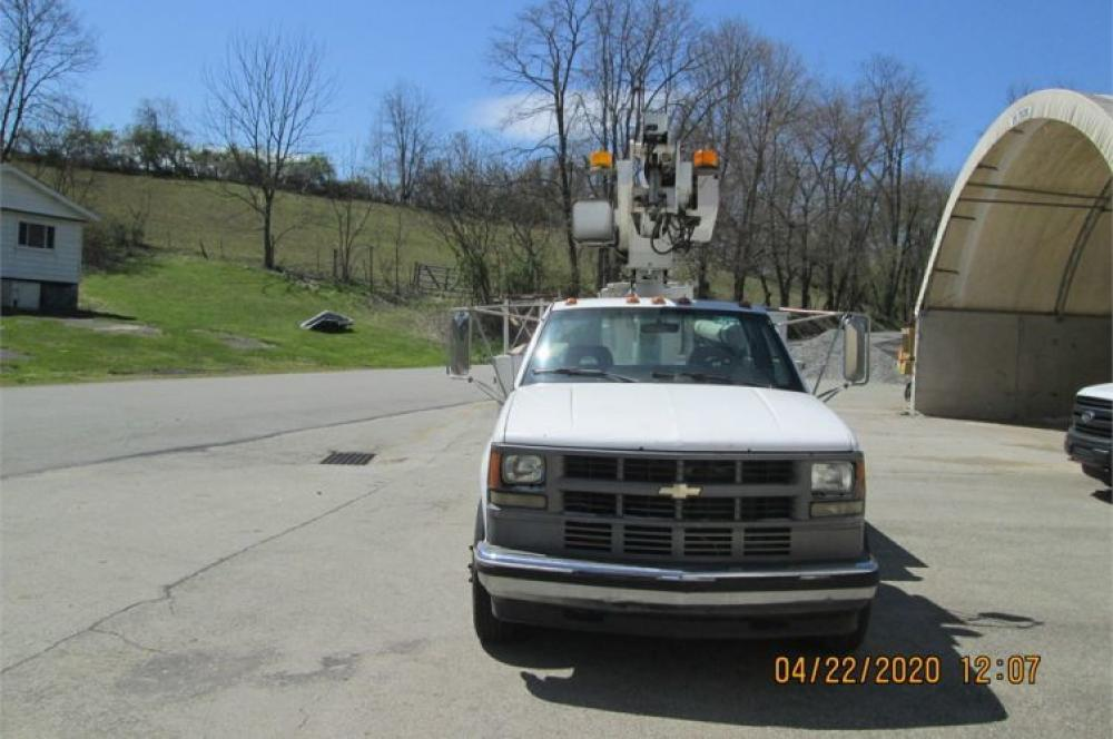 Detail photo of 1994 Chevrolet C3500 from Construction Equipment Guide