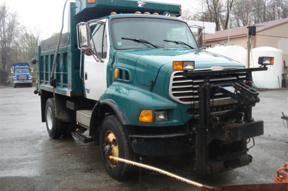 Detail photo of 2004 Sterling L8500 from Construction Equipment Guide