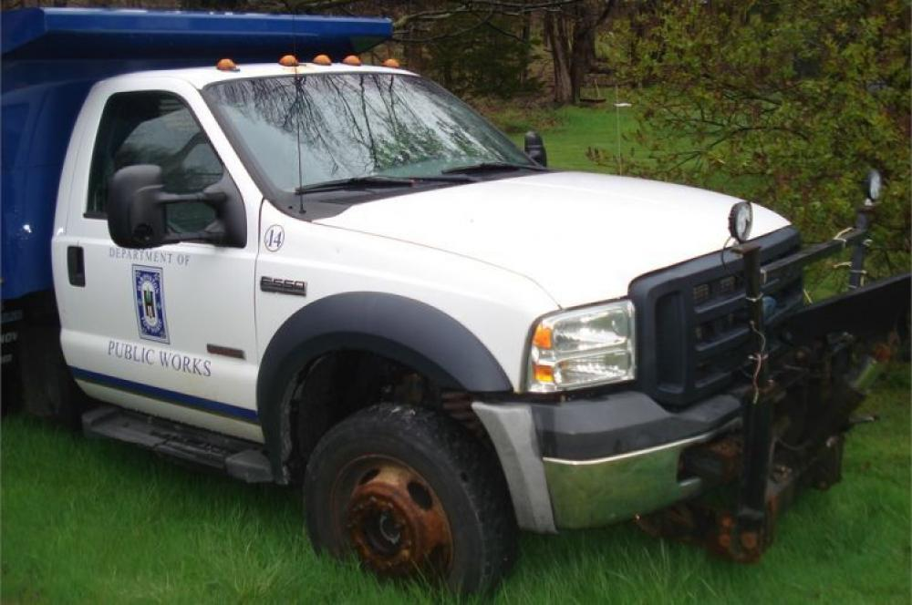 Detail photo of 2007 Ford F-550 from Construction Equipment Guide